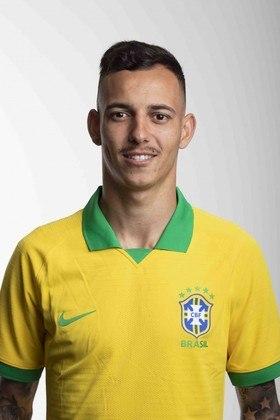 Iago: o ex-lateral do Internacional, com passagem pela Seleção Sub-23, hoje defende o Augsburgo, da Alemanha, mas não vem recebendo muitas oportunidades. Ele tem 23 anos.