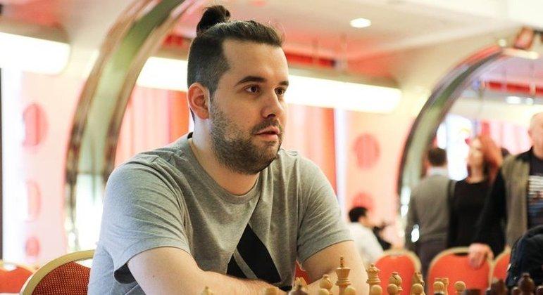 O desafiante Ian Nepomniachtchi