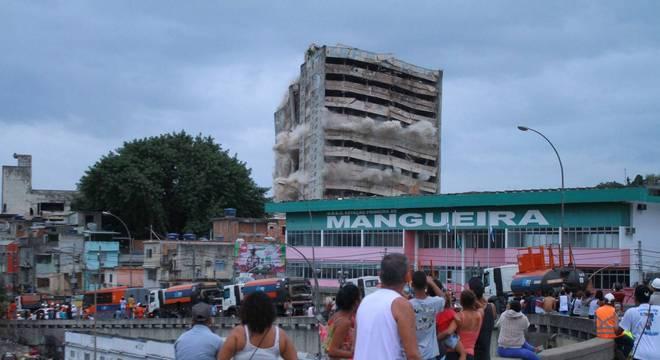 Edifício fica na região da Mangueira