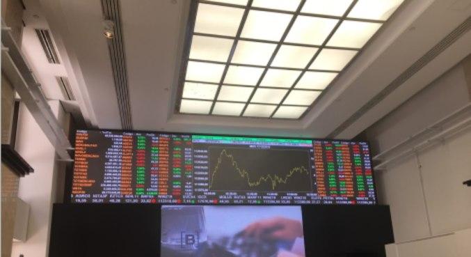 Bolsa paulista começava a segunda-feira(14) com viés positivo