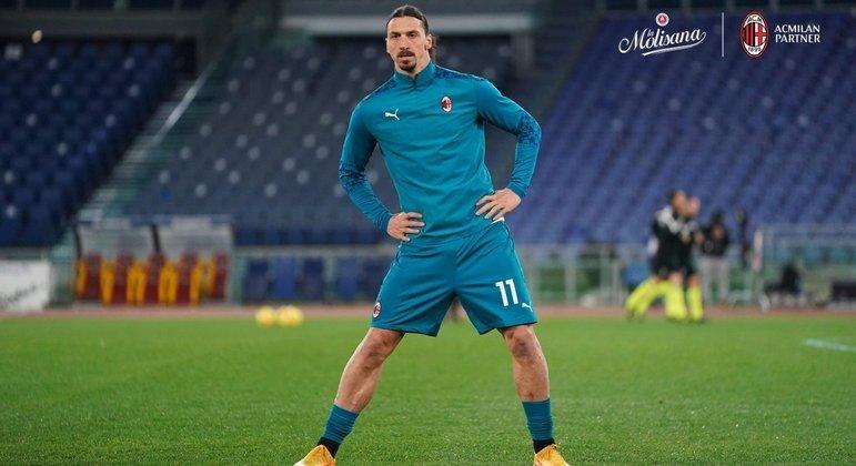 Ibrahimovic, no aquecimento, antes de enfrentar a Roma