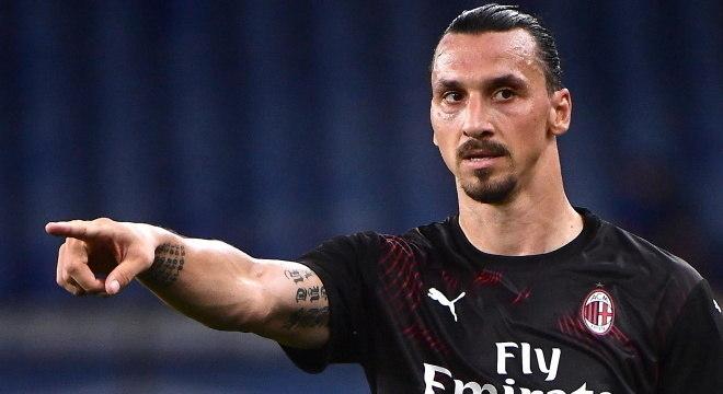 Renovação com atacante era prioridade para a diretoria da equipe italiana