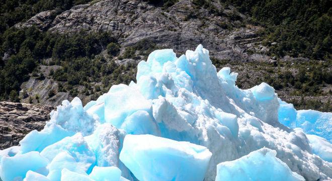 Dois novos icebergs se soltaram da geleira Grey, na Patagônia chilena