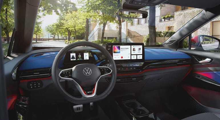 """O SUV ainda é equipado com o """"intelligent control system"""" que determina a quantidade de energia a ser distribuída pelos dois motores"""