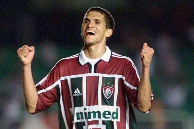 Ídolo de Ceará e Fluminense, o atacante atuou no Ceará, time da primeira divisão do Brasileirão com 43 anos