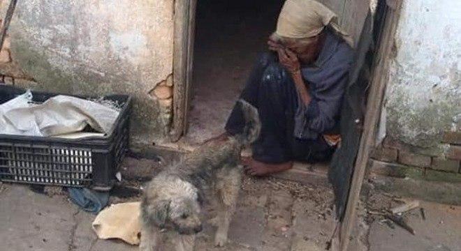 Idosa que vivia em condições precárias em Mairinque é resgatada