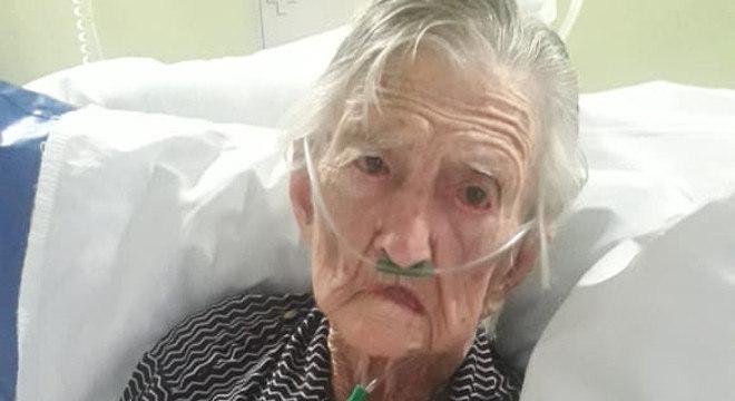Carmélia Maria Calegari, aos 98 anos, conseguiu se curar da covid-19