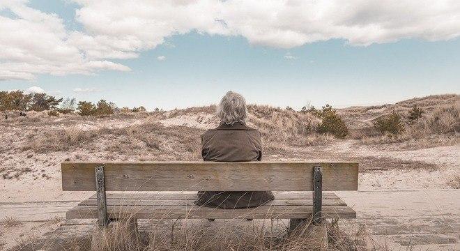 Mulheres na pós-menopausa têm queda de estrógeno, que influencia a imunidade