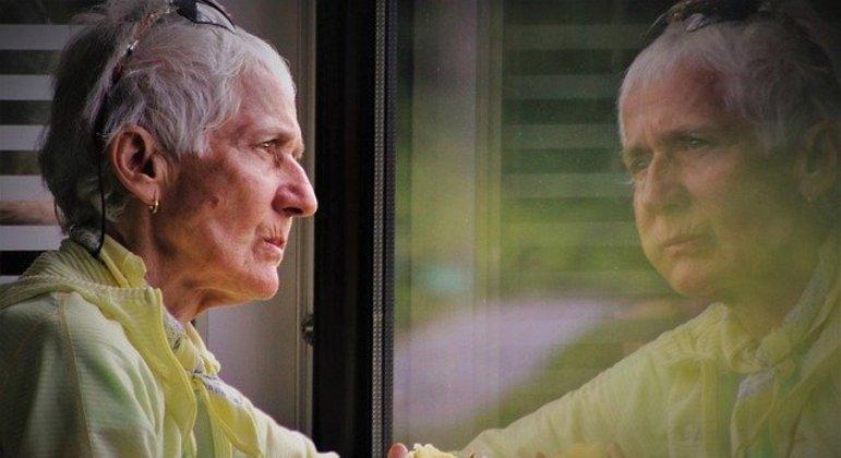 Nestes quase 20 meses, pandemia forçou idosos a uma vida com menos interação social
