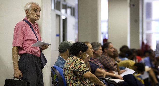 Com mais idosos e menos jovens, bancar aposentadorias deverá ficar mais difícil