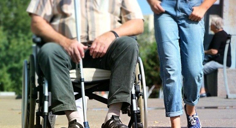 Pessoas cadeirantes fazem parte do público do crédito acessibilidade do Banco do Brasil.
