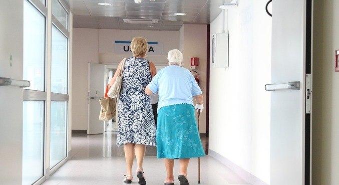 Cerca de 85% de pessoas que cuidam de familiares relataram sintomas
