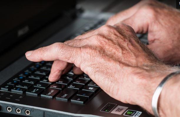 Empresa disse ter sido usada para espalhar mensagens políticas de desinformação