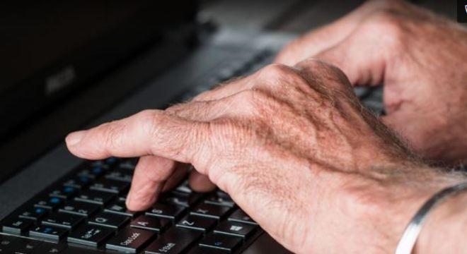 Especialistas dizem que redes sociais podem ser aliadas nessa fase de isolamento