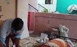 Senthil Kumar, chefe de polícia de Salem, afirma que nenhum parente do falecido conseguiu apresentar o atestado de óbito que teria sido emitido pelo primeiro médicoSituação semelhante foi vivida por um idosa de 81 anos, que despertou em um necrotério após ser dada como morta, mas morreu cinco dias depois... Veja a seguir!