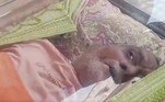 No entanto, quando funcionários foram até local ondeBalasubramanian repousava para retirar o caixão, eles notaram que o homem estava vivoBombou no HORA 7!Noiva cancela casamento ao descobrir que dama de honra também era amante