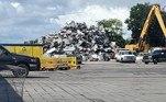 Após colocá-lo sobre o veículo, ele tentou vendê-lo a um pátio de reciclagem da região, conforme informou a polícia rodoviária local