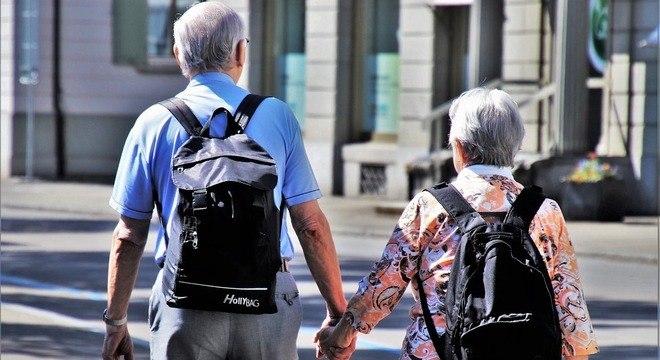 A expectativa de vida do brasileiro é de 75,8 anos, segundo o IBGE