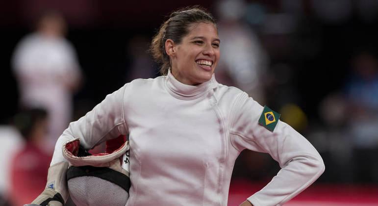 A atleta Iêda Guimarães durante a disputa da esgrima nos Jogos de Tóquio