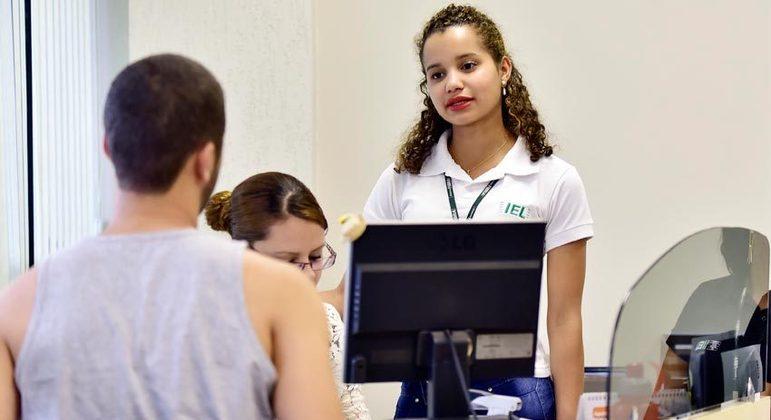 IEL oferece 914 vagas de estágio em 9 estados