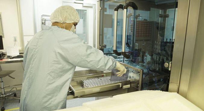 A Fiocruz recebe neste sábado (24) nova remessa de IFA para produção de vacinas