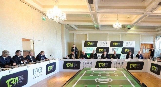 O cenário da reunião do IFAB em Belfast