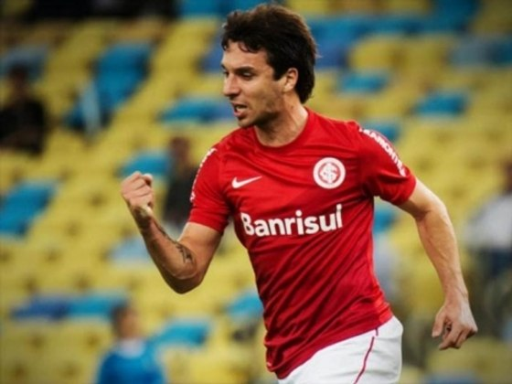 IGNACIO SCOCCO - O argentino Scocco, disputado por alguns clubes, veio do Newell's Old Boys para defender as cores do Colorado em 2013. Ele deixou poucas lembranças para a torcida. Fez 21 jogos e marcou quatro gols