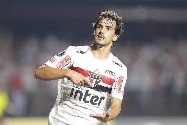 """Igor Gomes - São Paulo - Meia - 21 anos - Chamado de 'novo Kaká', o jogador foi elogiado pelo jornal e teve sua semelhança com o ídolo do Milan lembrada. O """"As"""" também elogiou sua capacidade de ajudar na marcação como ponto positivo"""
