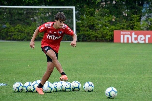 Igor Gomes, meia de 21 anos, é o principal destaque entre os jovens do São Paulo neste momento. Titular com Diniz e observado por clubes europeus, como o Ajax, pode não terminar o ano no Morumbi. Tem 44 jogos e cinco gols.