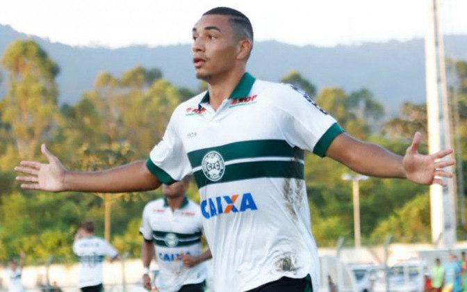 Igor Jesus - Revelado pelo Coritiba, o jovem atacante Igor Jesus, de 19 anos, é avaliado em R$ 28 milhões de reais, jogando atualmente no futebol chinês.