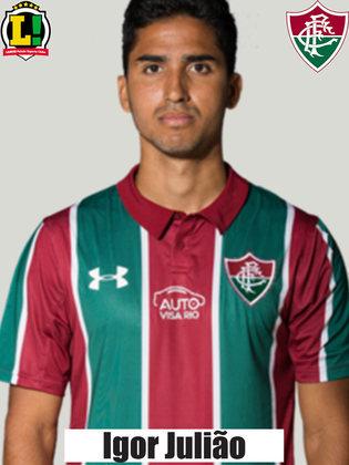 IGOR JULIÃO - 5,0 - Teve bons momentos nas investidas ao ataque, especialmente no primeiro tempo. Entretanto, deixou espaços e foi envolvido na jogada do primeiro gol esmeraldino.