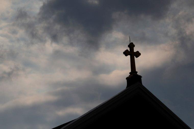 EUA: mais de 300 padres são citados em relatório sobre abusos sexuais