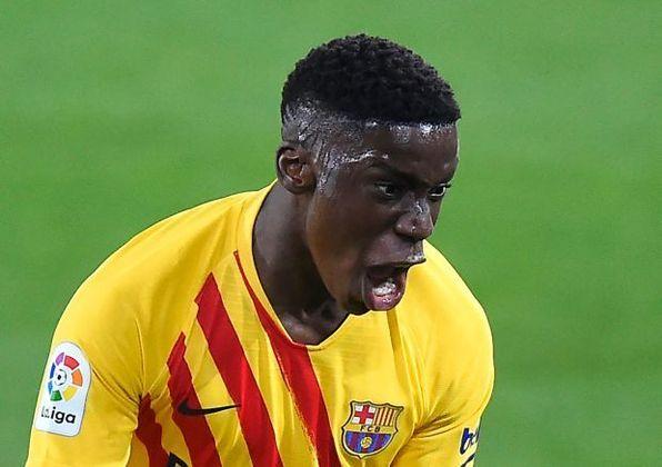 Ilaix Moriba - Jogador de 18 anos não deseja renovar com o Barcelona, que está à espera de ofertas. RB Leipzig é um dos interessados