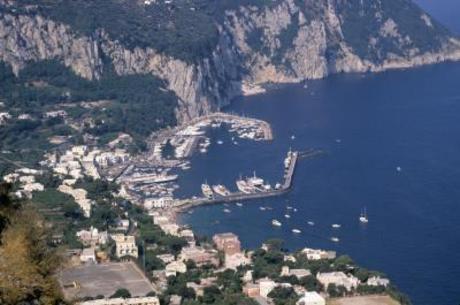 Ilha de Capri proíbe uso de plástico