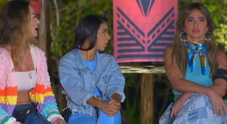 Laura Keller e Nadja Pessoa protagonizam discussão na Ilha Record