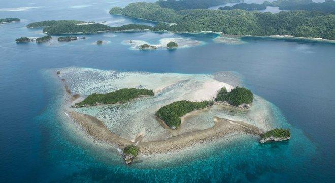 Arquipélago de Palau, no Oceano Pacífico, se tornou a primeira nação a banir filtros solares que contém substâncias como oxibenzona, que protege a pele contra raios ultravioletas