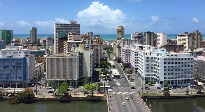 No Recife, os primos João Campos (PSB) e Marília Arraes (PT) disputam o segundo turno