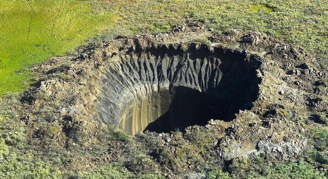Enormes buracos estão aparecendo no permafrost