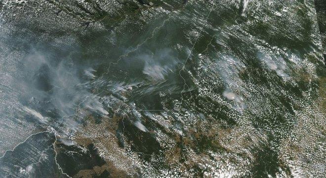 Nasa mostra vários incêndios em Rondônia, Amazonas, Pará e Mato Grosso
