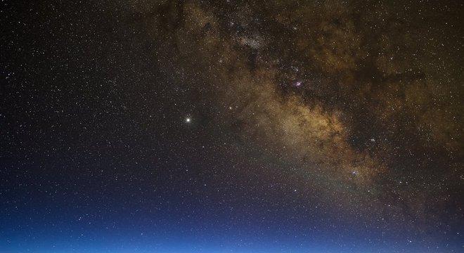 O Mauna Kea oferece vistas como essa da Via Láctea