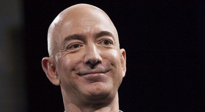 O fundador e presidente da Amazon alcançou em 2018 o seleto grupo daqueles que têm fortuna maior que US$ 100 bilhões