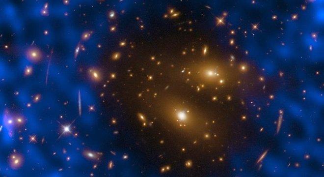 Cicatrizes deixadas pelo Big Bang na forma de uma fraca radiação de microondas que permeia todo o cosmos fornecem pistas sobre como era o Universo primitivo