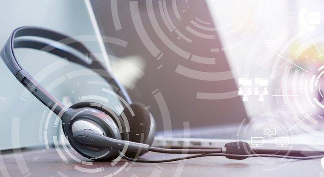 Existem programas muito acessíveis que permitem converter qualquer áudio do seu telefone em texto