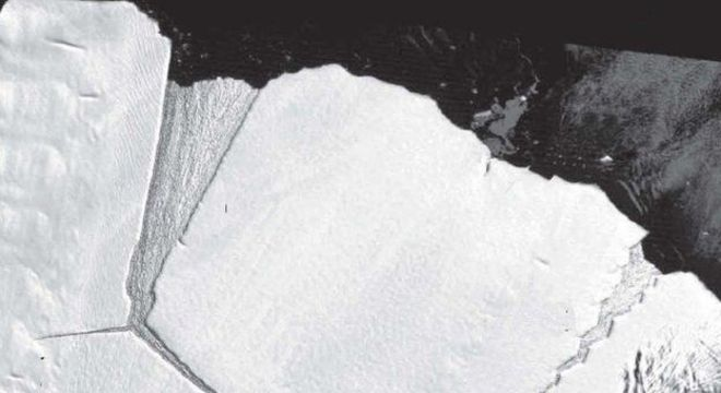 'Dente mole' retratado no início dos anos 2000; D28 é vista se formando à esquerda 'Dente' vizinho