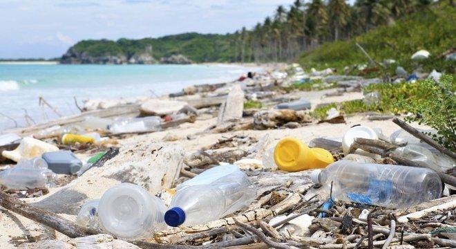 O desafio estimula os participantes a escolhem um lugar, recolher o lixo dele e publicar fotos disso nas redes sociais