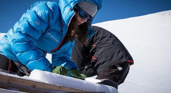 Pesquisadores buscam 'novas janelas' para desbravar o passado do planeta, e até estudar vírus e bactérias antigos preservados no gelo