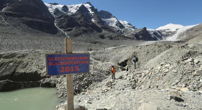 Geleiras de montanhas têm diminuído em todo o mundo devido às mudanças climáticas: cientistas correm para preservar informações