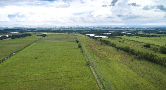 Vista aérea do interior do Brasil: terras no país e em outros da América Latina foram compradas por Harvard