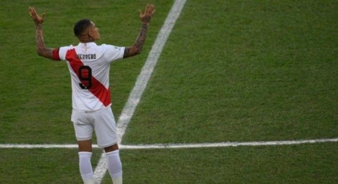 Imagens de Paolo Guerrero na decisão da Copa América