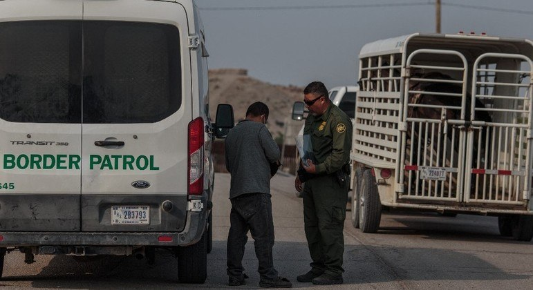 Quadrilha prometia levar imigrantes salvadorenhos para a fronteira entre EUA e México